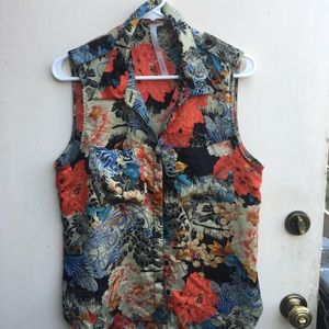 Reformed sleeveless woman's blouse
